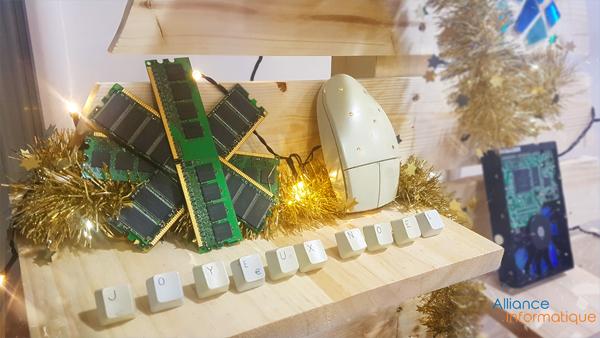 Sapin de Noël, thème informatique par Alliance Informatique
